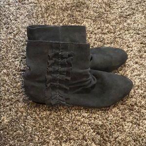 Shoes - Gray ruffle Booties